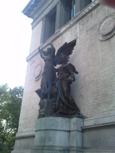 Statue in the façade of the Fine Arts Museum of Brussels